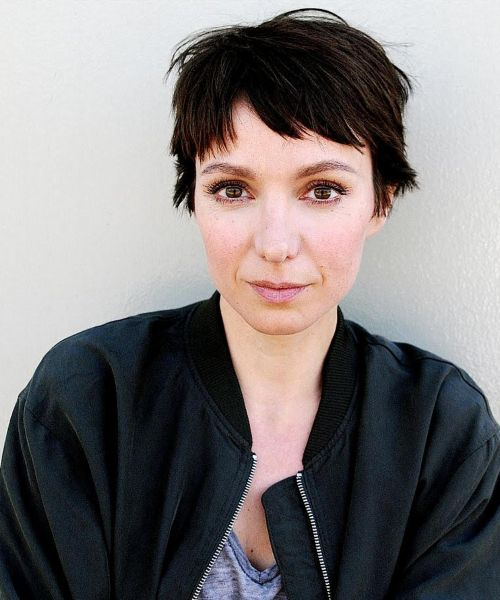 Julia Koschitz 18